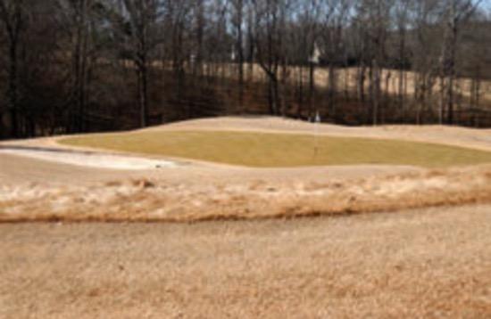 【冬のゴルフは上達のコツがいっぱい】服装にもスコアアップの要素が隠れている。