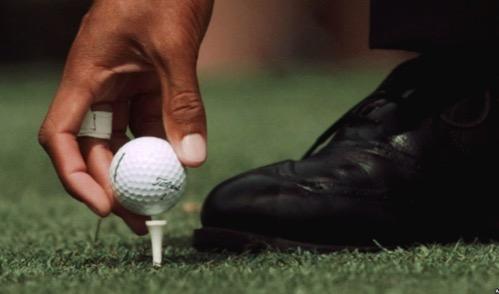 ゴルフ ドライバーショット ティアップの高さでショットが劇的に変わる。高め低めの利点