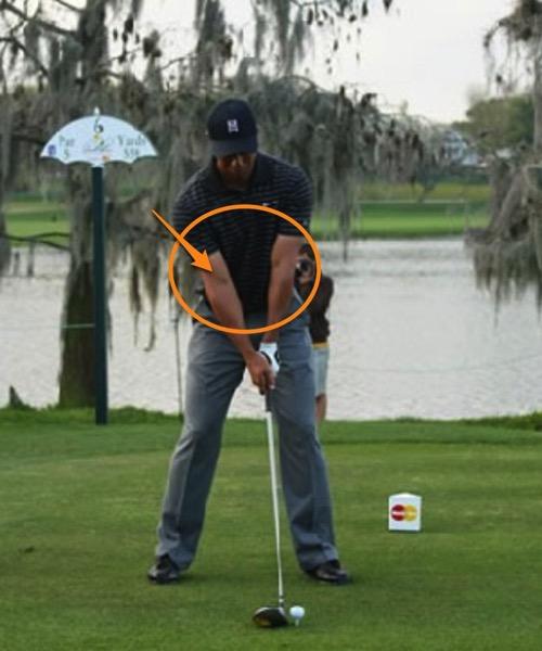 ゴルフ 正しい脇の締め方